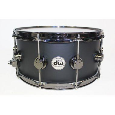 DW Collector's Maple 14×6.5in Snare Drum – Matte Black W/Black Hardware