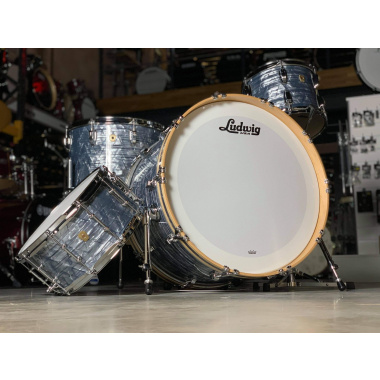 Ludwig Classic Maple 24in 4pc Shell Pack – Sky Blue Pearl