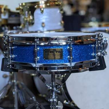 Pork Pie 14x4in Maple Snare, Blue Sparkle – Pre-owned