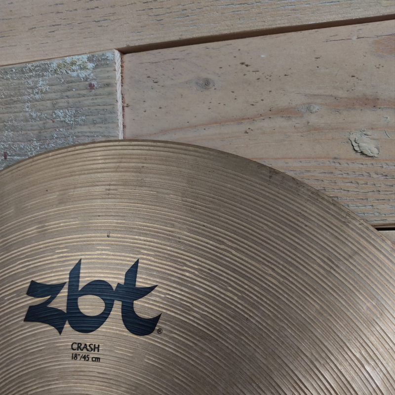 Zildjian ZBT 18in Crash – Pre-owned