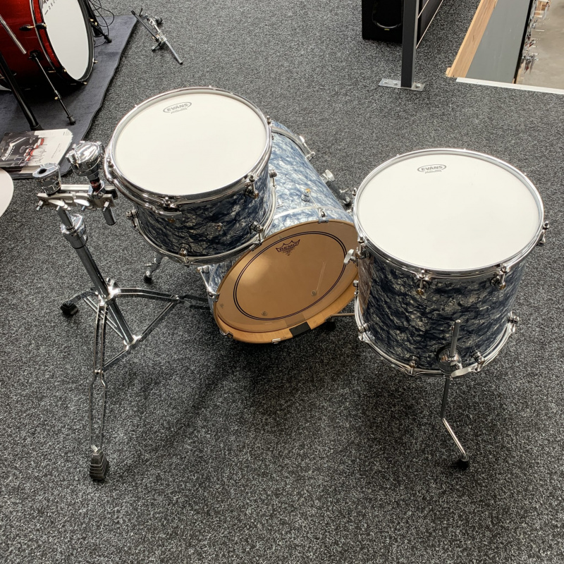 """Premier One Series """"The Landrake"""" 18in 3pc Shell Pack – Pre-owned"""