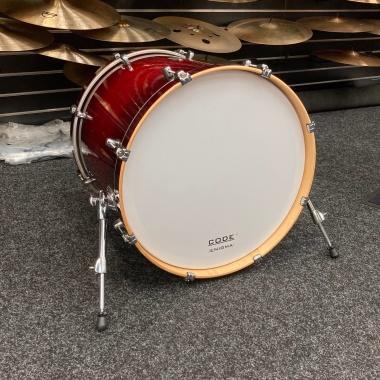 Mapex Meridian Maple 22x20in Bass Drum – Volcanic Burst